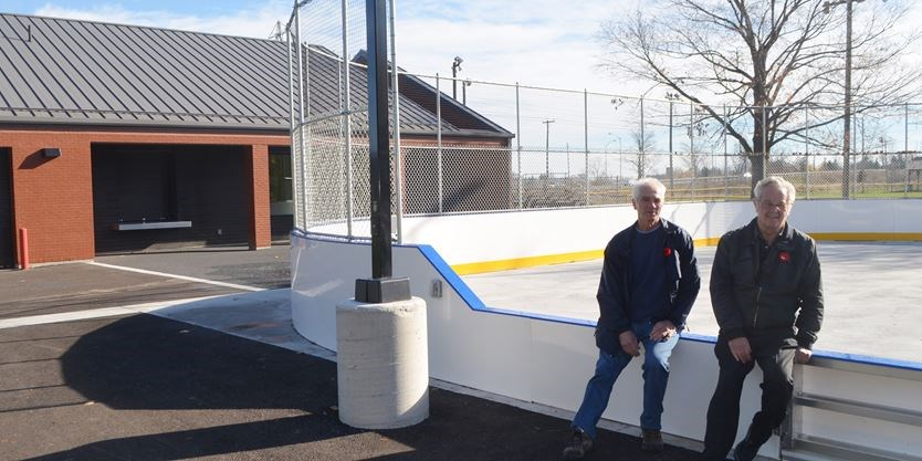Photo of Freelton Lions Outdoor Rink and two Lions